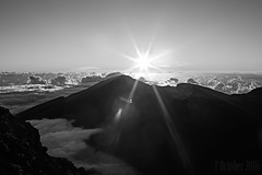 Sun Rise Haleakala (plainmama) Tags: haleakala mountain sky sun sunrise clou clouds haw hawaii maui vacation bw blackandwhite 366 280366