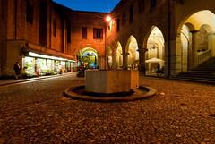 Lodi: Piazza Broletto (Rossella De Amici) Tags: square nightshot piazza lombardia lodi bellitalia