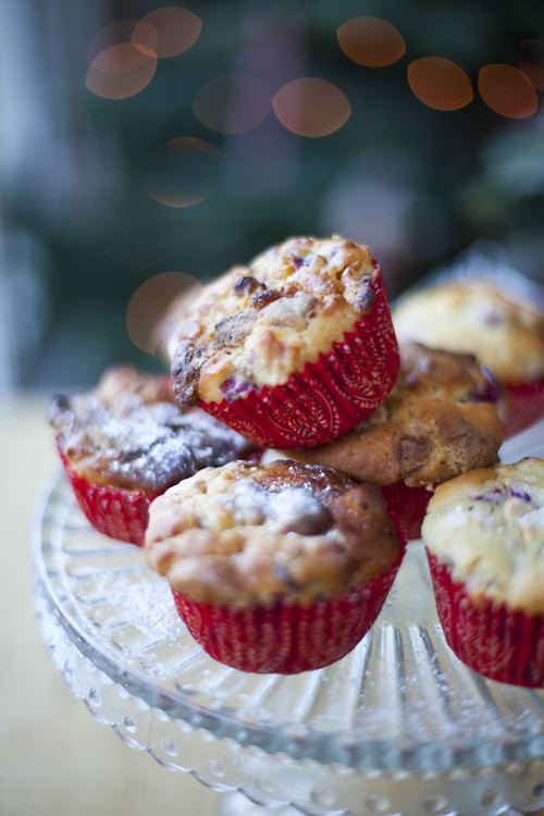 :: Cranberry and White Chocolate Muffins