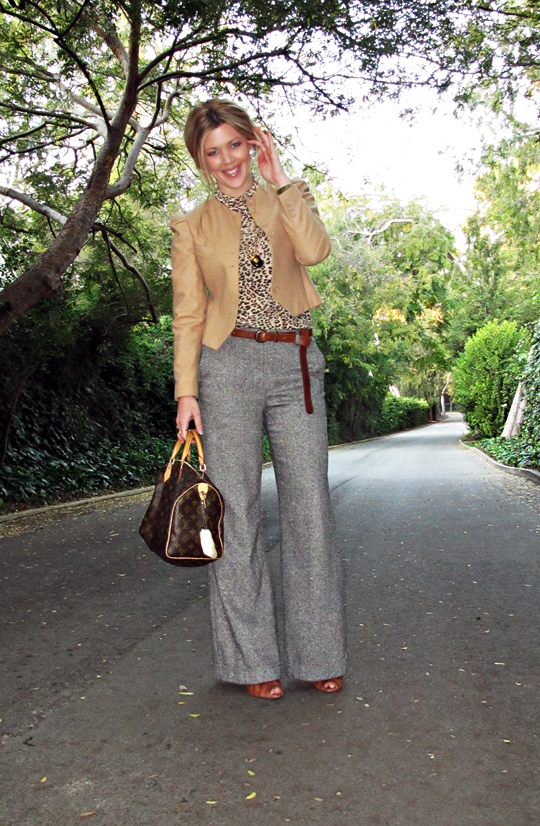 leopard print t shirt+tweed wide leg pants+vintage wool camel jacket+boyfriend belt+lace up boots+louis vuitton+sharp