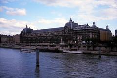 1985 Paris - Gare de Orleans - avant le Muse d'Orsay (normandie2005_horst Moi_et_le_monde) Tags: paris 1985 parijs parigi pras  pary   pa   pariisi pariz   parze paris     parios    paryiuje paris1985france