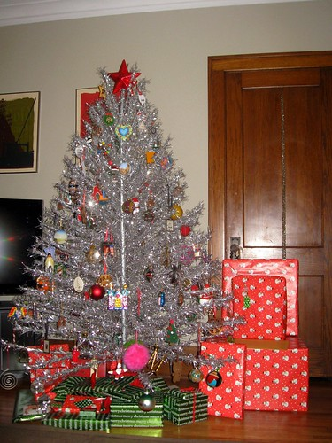 christmas tree pre gift-opening