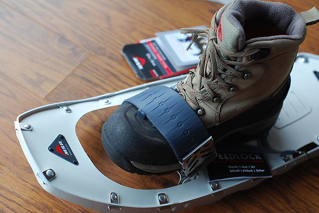 Fitted MSR Lightning Flash Snowshoe binding