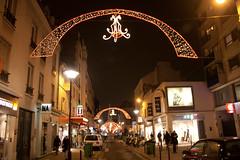 Rue du commerce, Paris, Noël 2010 (BorisGarro) Tags: light paris france night lumière illumination rue nuit décoration lumire džcoration