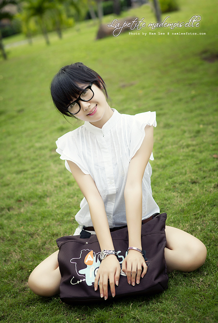 Hình chân dung thời trang ngoài trời - Shop Chicky Chu