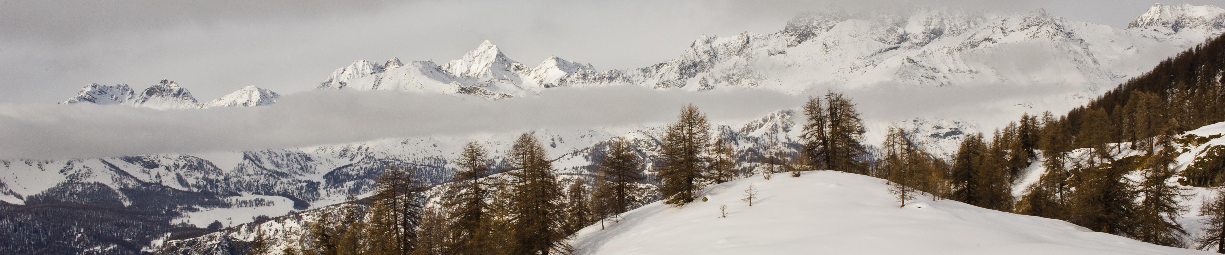 Visuale dall'Alpe Charey damon