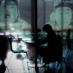 Hologramme -  TVC15 -Comme dans un film - Photo publi- Foto pubblicata- Photo published at : Le Negatif ! (Paolo Pizzimenti) Tags: bowie paolo olympus hasselblad contrejour cinma projet hologramme urbaine femmeombre hymnes