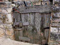 the gate (Marlis1) Tags: door espaa gate teruel aragn matarraa monroyo marlis1 wrecksruins aragnespaa torredearcas