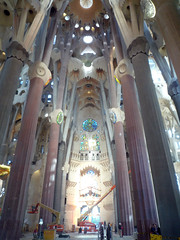 Antoni Gaudí, Sagrada Familia, Looking Toward Right Trancept