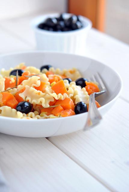 1.Mafaldine con zucca, olive nere e rosmarino