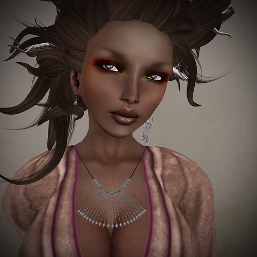 Uzuri jewelry, Ingenue outfit, Plastik skin