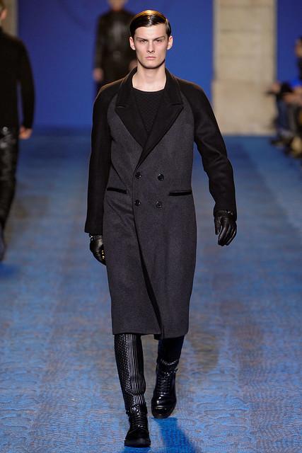 FW11_Milan_Versace013_Phillip Moller(VOGUEcom)