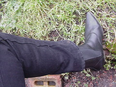 Tight jeans and boots 2 (DONNYB-UK) Tags: black leather boots jeans drainpipe skintight wrangler cubanheel 2inch winklepicker elasticsided beatboots