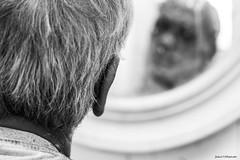 Figure (Fabio75Photo) Tags: barba specchio bianco nero white black capelli faccia sfocato
