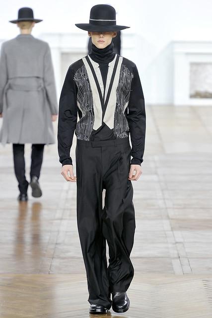 FW11_Paris_Dior Homme025_Johannes Niermann(VOGUEcom)