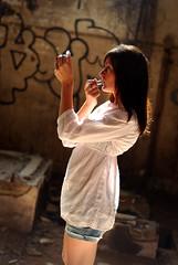 Jenny Fresh up (s_sylvia) Tags: licht model spiegel stimmung rau schminken lostplace lippenstift