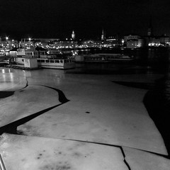 Ice Break (StefanRos) Tags: winter bw ice europe sweden stockholm sthlm 08 februari kungsholmen 2011 lx5 stadshusbron