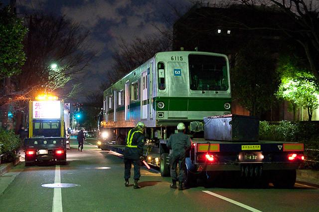 東京メトロ千代田線6000系 6115F 陸送 20110127