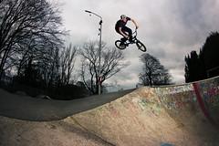 Thomas 270 (AaronZwaal) Tags: park sky clouds canon nijmegen bmx wind cloudy air flash skatepark 270 460 goffert 550d yongnuo
