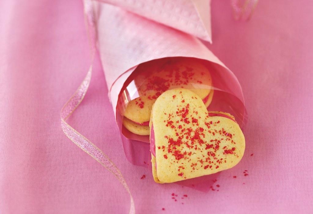 Heart Sandwich Cookies Recipe