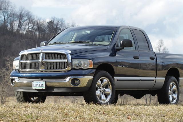 truck forsale 4x4 4wd pickup clean dodge ram 1500 v8 slt darkblue fourwheeldrive lowmileage 59l singleowner