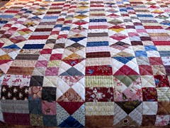Verticales (manu/manuela) Tags: quilt sewing quilting patchwork handquilted quiltmain montmainetmachine jelaifait copiedunquiltanciendelacollectionderobertahorton machinehandpieced