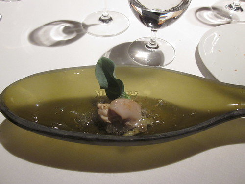 El Celler de Can Roca - Girona - February 2011 - Oysters with Agusti Torello Cava, apple compote