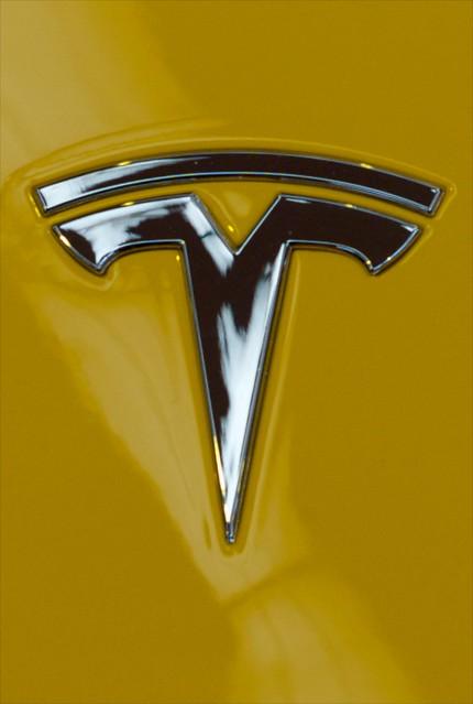 L9771050 - Tesla