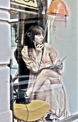 se telefonandoti... (giacomo-b | + l i g h t) Tags: donna vetrina telefono gambe sottoveste