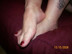 Picture 001 (danks11) Tags: sexy feet female arch soles wrinkled veiny sexysoles wrinkledsoles veinyfeet