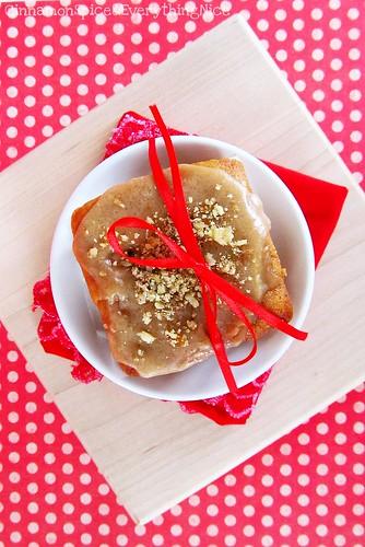Mini Caramel Apple Cakes