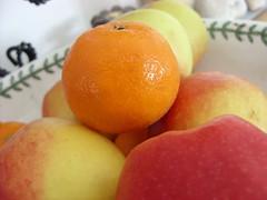 Ever felt alone? (Jessikeeer :]) Tags: red fruit bowl apples oranges overrun