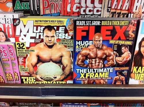 こんなマニアックな本がスーパーで普通に売ってるのがさすがアメリカ