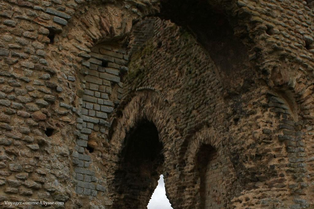 Détail des briques romaines du temple