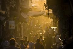 [フリー画像] 人物, 人と風景, 集団・グループ・群衆, シリア, 201103061300