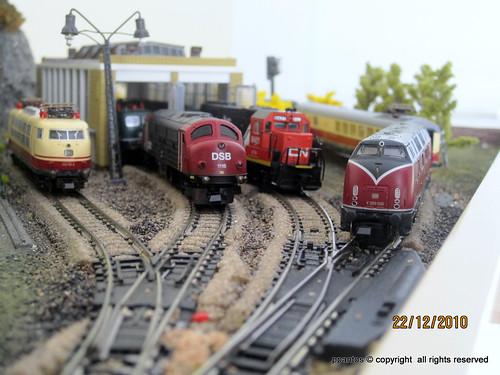 V66 Life Like, Bachmann and Atlas trains on powe loc, atlas & ez ...