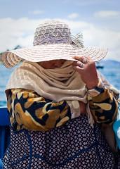 Undercover (Pedro Núñez) Tags: woman lake titicaca lago see mujer bolivia copacabana spy agent frau undercover bolivian boliviana 2011 pedronunez