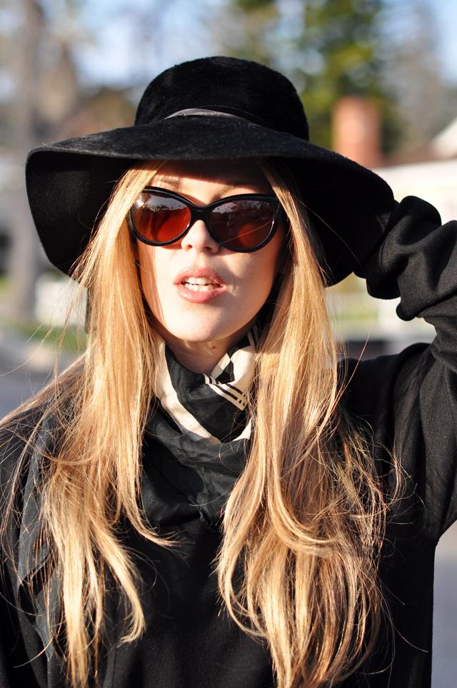 Vintage black hat, Tom Ford Sunglasses, Cynthia Rowley Bag with tassels, J Brand Houlihan skinny cargo pants, steve madden wedges, long blonde hair, DSC_0059