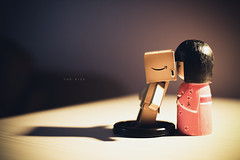 the kiss ([ embr ]) Tags: love canon toys eos kiss doll sigma relationship figurine haruko 30mm danbo 1000d