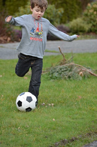 Cloudy Soccer Magoo Kicks