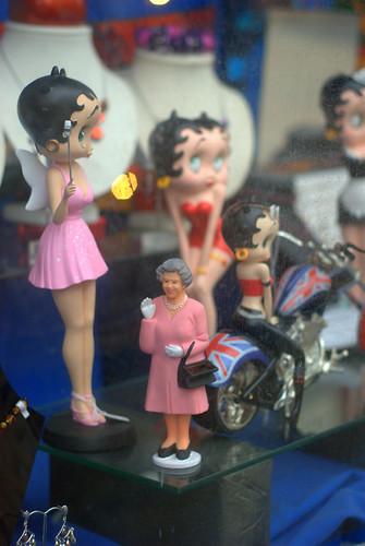When Queenie meet Betty Boop