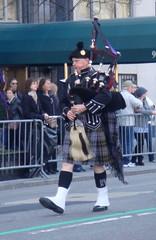 A Bagpiper (Dean Arrindell) Tags: nyc newyorkcity bagpiper stpatricksdayparade