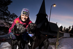 Hundeutstyr - Lene Boysen Hillestad med hundene sine