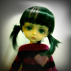 Ilori was just sitting around looking bald (Lawdeda ) Tags: camera love by night sweater little ninja version retro special wig pirate lea late bjd app lunita dollie fudecan
