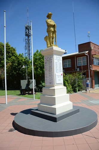 DSC_5825 War Memorial, Byrnes Street, Mareeba, Queensland