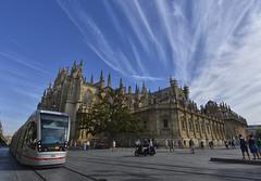 3526 (G de Tena) Tags: sevilla sol suelo santa semana santacruz cielo calle cristo cruz casa catedral catolicismo iglesia nubes monumentos