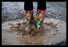 2 feet, 1 splash (Sarah Cowan's mix of photo love) Tags: ireland irish water landscape coast rocks donegal greencastle shroove ourdailychallenge