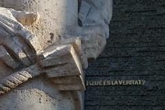 Does anyone knows the answer? / Alguien sabe la respuesta? (SantiMB.Photos) Tags: barcelona door sculpture espaa church geotagged spain puerta dof iglesia escultura gaud catalunya sagradafamilia tamron 18200 esp cataluna produndidaddecampo geo:lat=4140337846 geo:lon=217403233