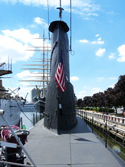 Submarine BECUNA 002 (adamcoop68) Tags: unitedstatesofamerica submarine worldwarii worldwari usnavy spanishamericanwar philadelphiapennsylvania nationalregisterofhistoricplaces navalship independenceseaportmuseum cruiserolympia commonwealthpa steelwarship nationalhistoricmechanicalengineeringlandmark submarinebecuna
