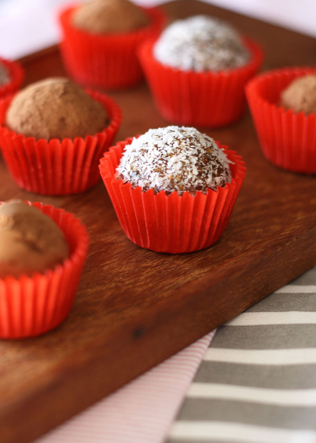 Gluten Free Scallywag_date almond truffles_1